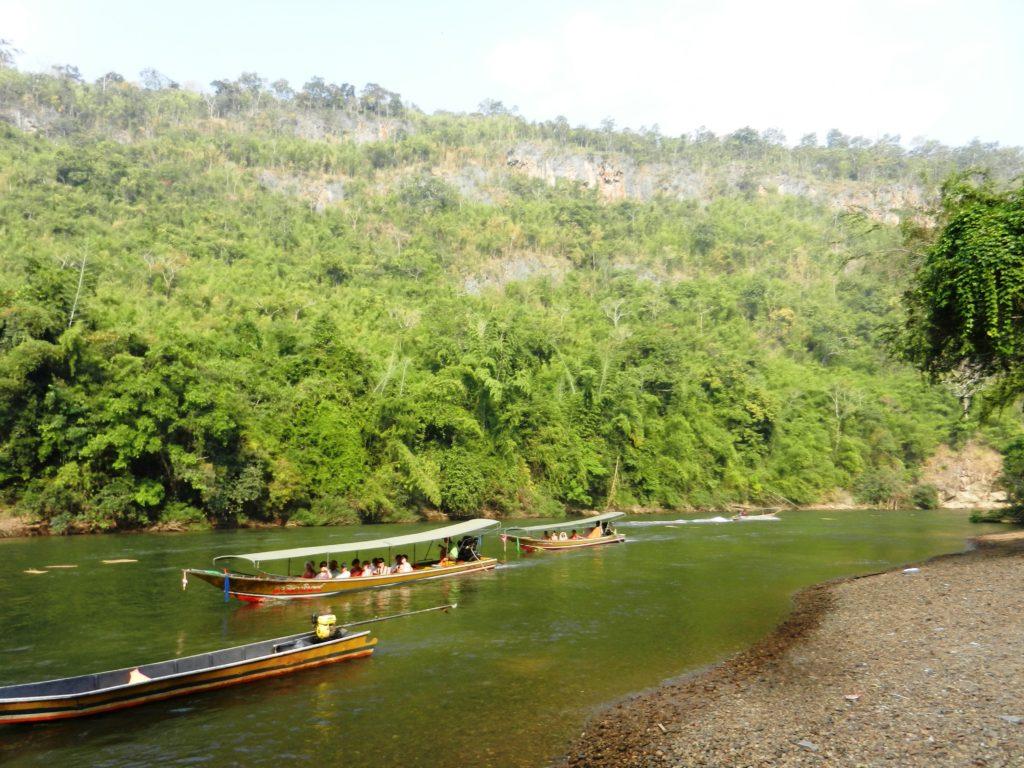 Поездка в Таиланд. Длинноносые тайские лодки на реке Квай